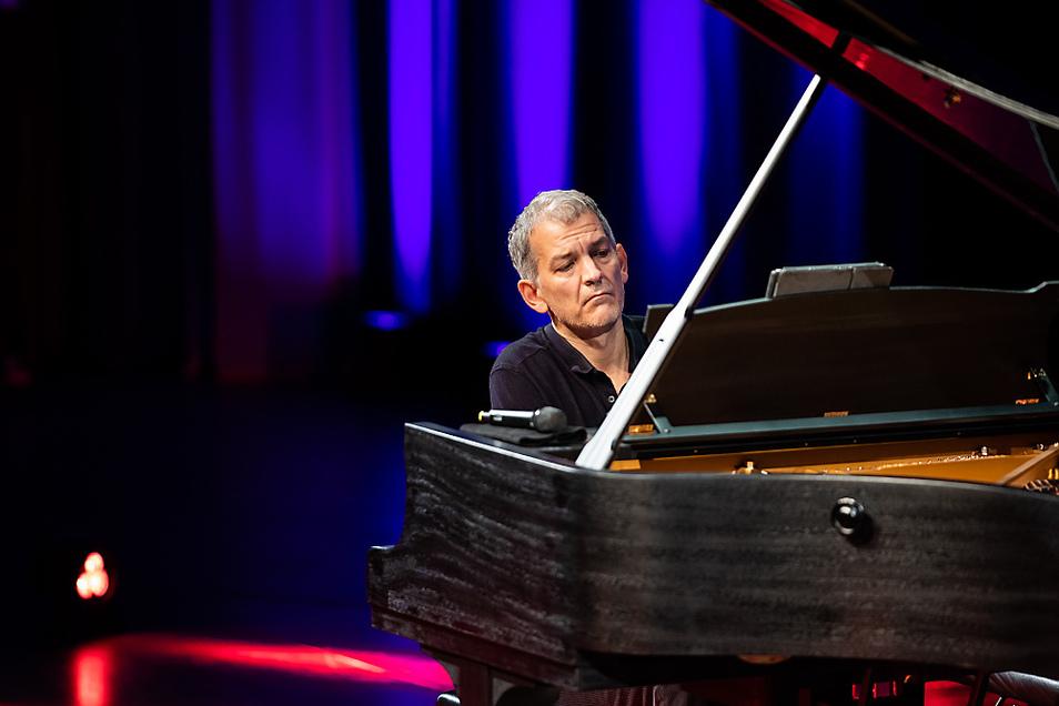 """Ganz in seinem Element war der Grammy-Gewinner an diesem Abend: Beim Klavierkonzert """"Jazz"""" spielte Brad Mehldau im Rahmen des Lausitz-Festivals in der Lausitzhalle Hoyerswerda."""