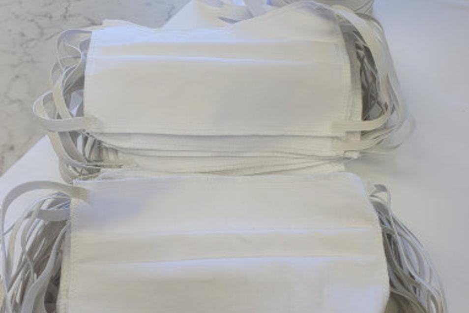 Bei Damino werden jetzt am laufenden Band Atemschutzmasken genäht.