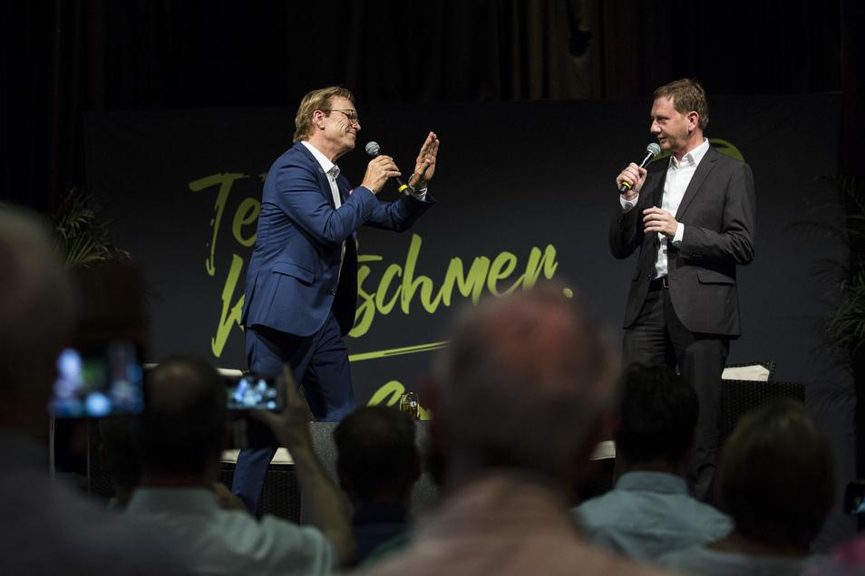 Wolfgang Lippert und Michael Kretschmer singend in der Görlitzer Landskron Kulturbrauerei.