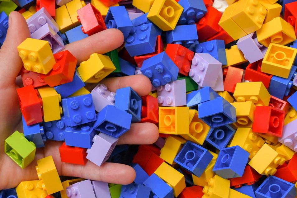 Kann das Design eines Legosteins geschützt sein? Darüber entscheidet nun ein Gericht.