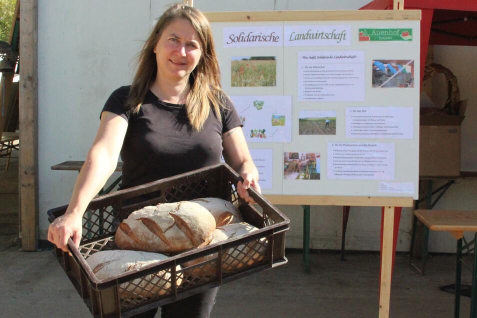 Katrin Leipacher - hier beim Tag der Regionen 2018 - ist Chefin des Auenhofs in Ostrau. Der produziert nicht nur sein eigenes Brot, sondern liefert auch Obst und Gemüse. Das ist jetzt besonders begehrt.