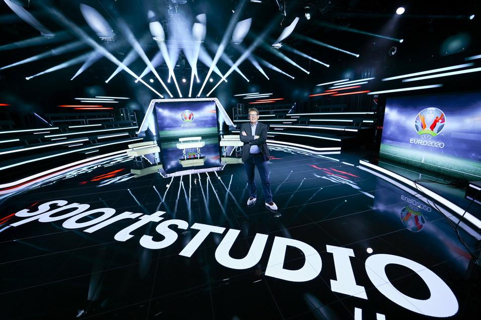 """Aus der """"Sportstudio-Arena"""" auf dem ZDF-Gelände in Mainz-Lerchenberg berichtet der Sender über die EM - so auch am Samstagabend."""