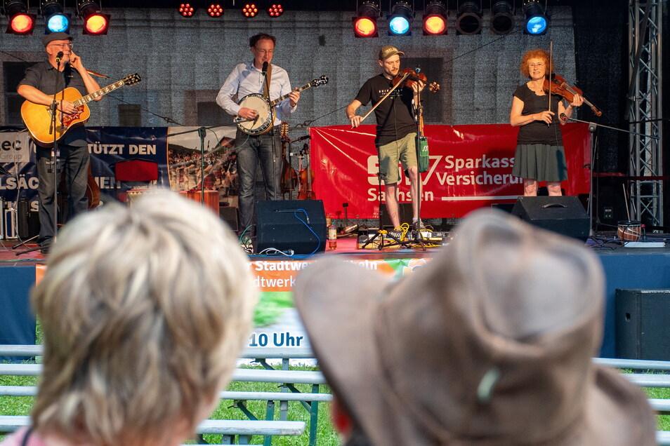 Die Fiddle Folk Family begeisterte das Publikum im Kloster Buch. Foto: Dietmar Thomas