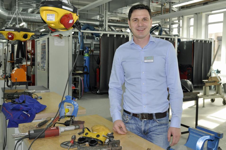 Martin Streiber leitet die Schweißtechnische Lehranstalt an der Handwerkskammer Dresden. Hier können alle gängigen Schweißverfahren trainiert werden.