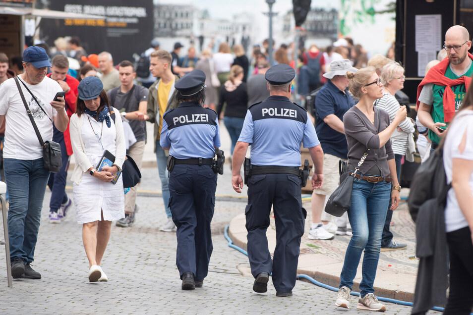 Das gesamte Wochenende über sind 350 Sicherheitsleute im Einsatz, damit alles friedlich bleibt.