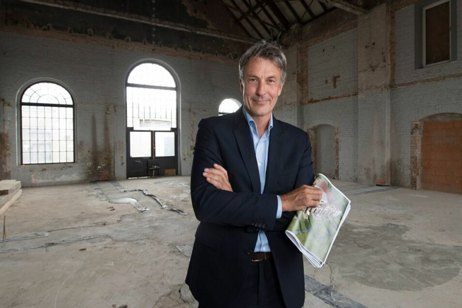 Investor Oliver May hat das architektonische Kleinod in Mockritz vor zwei Jahren gekauft. Bis auf die Gebäudehülle ist vom einstigen Gaswerk nicht viel erhalten.