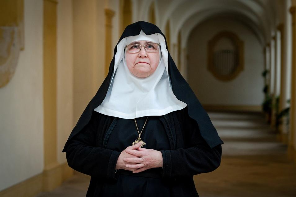 St. Marienthals Äbtissin Elisabeth Vaterodt steht gemeinsam mit einigen Mitschwestern im Mittelpunkt der Serie um Jugendliche ohne Halt. Mit dabei ist auch Schwester Franziska, die bereits im Kloster fünf Jahre lebte, derzeit aber in einer entfernteren Ge