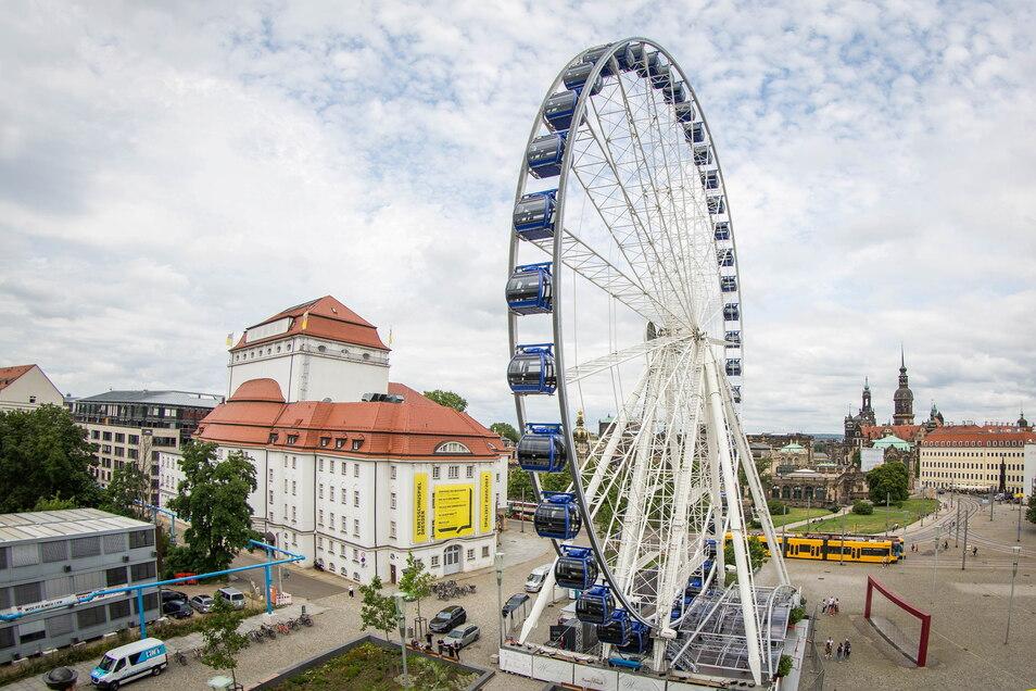 """Das Riesenrad """"Wheel of Vision"""" dreht sich ab Freitag wieder auf dem Postplatz."""