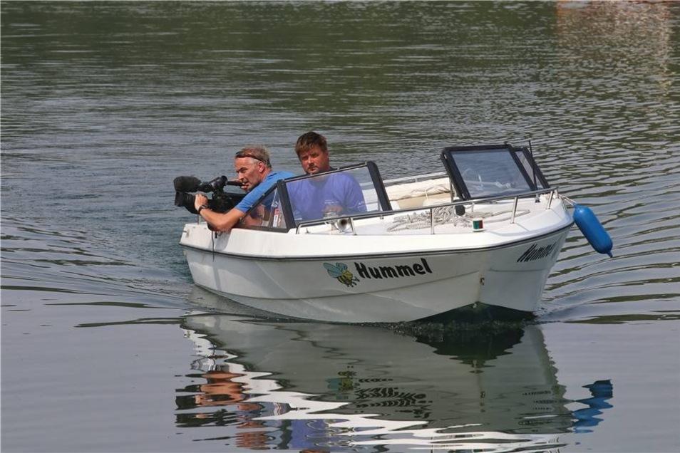 Um auch Menschen einen Eindruck von der Veranstaltung zu geben, die nicht vor Ort waren, hat ein Filmteam zu Wasser Aufnahme vom Lagunenfest gemacht.