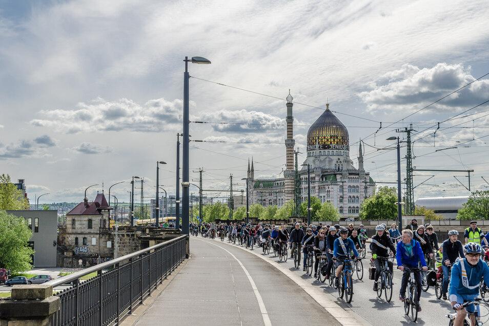 Bei der Radsternfahrt durch die Dresdner Alt- und Neustadt werden etwa 1.000 Teilnehmer am Sonntag erwartet
