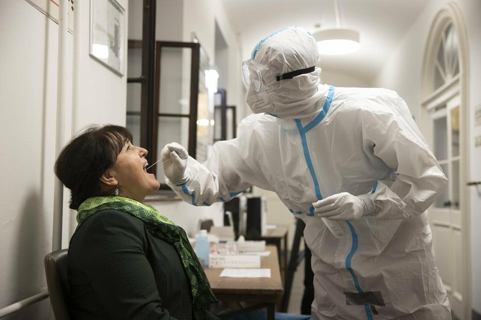 Nichts deutet auf eine Entspannung hin: In Sachsen werden immer mehr neue Infektionen gemeldet.