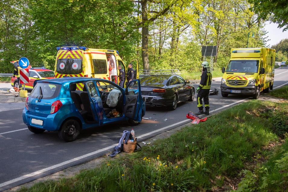 Ein Suzuki prallte am Sonnabend bei Burkau auf einen Audi. Dabei wurden drei Menschen verletzt.