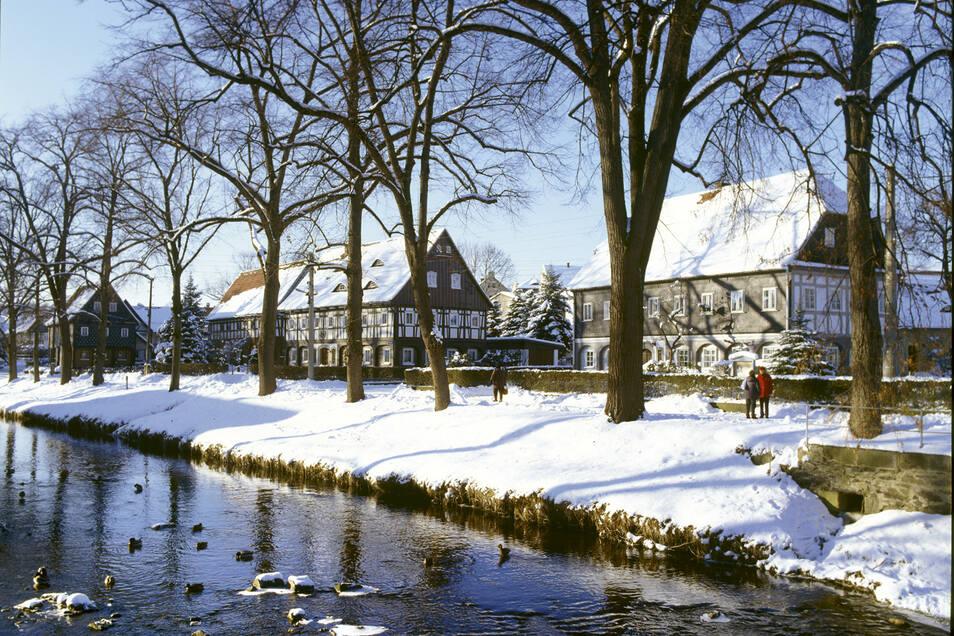 Als größte Pfunde sieht die Gemeinde die intakten Umgebindehausensemble in Großschönau und Waltersdorf - über 660 Unikate der Volksarchitektur.