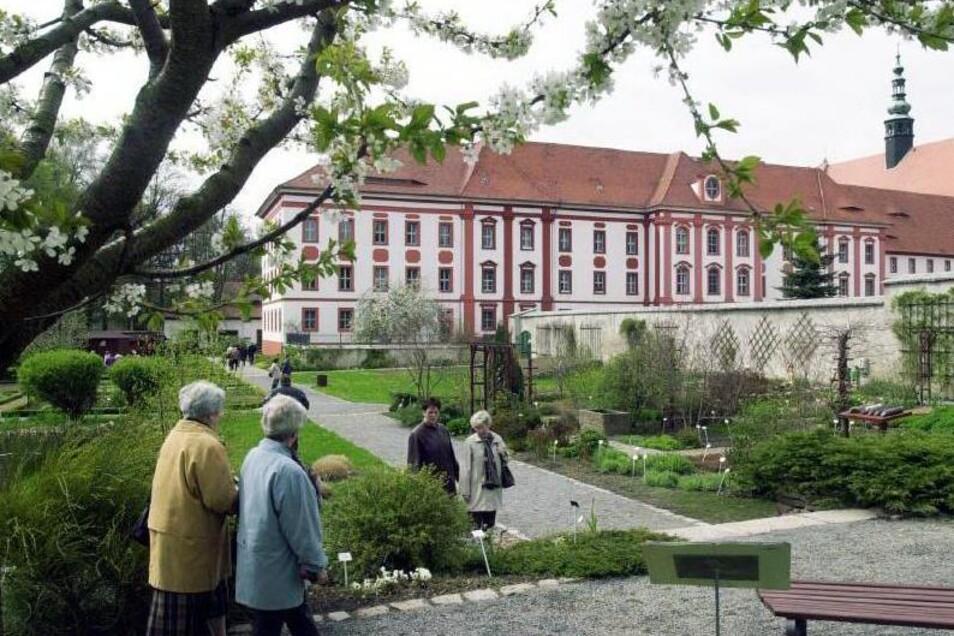 Der Garten am Kloster in Panschwitz-Kuckau ist ab Sonntag wieder geöffnet.