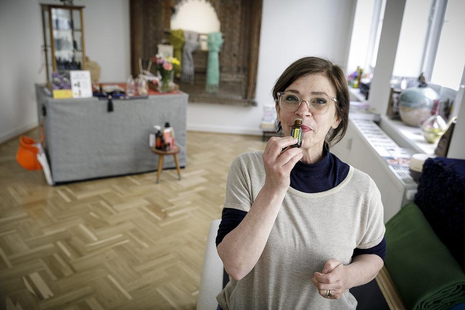 """Die Innenarchitektin Jutta Kießler bietet seit dem Frühling Beratungen zu ätherischen Ölen in ihrem Duftladen """"Aromastar"""" im Obersteinweg an."""