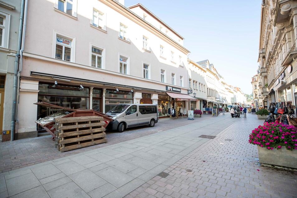 Wo früher Ernsting's family in der Pirnaer Innenstadt war, zieht ein Pizzaservice ein.