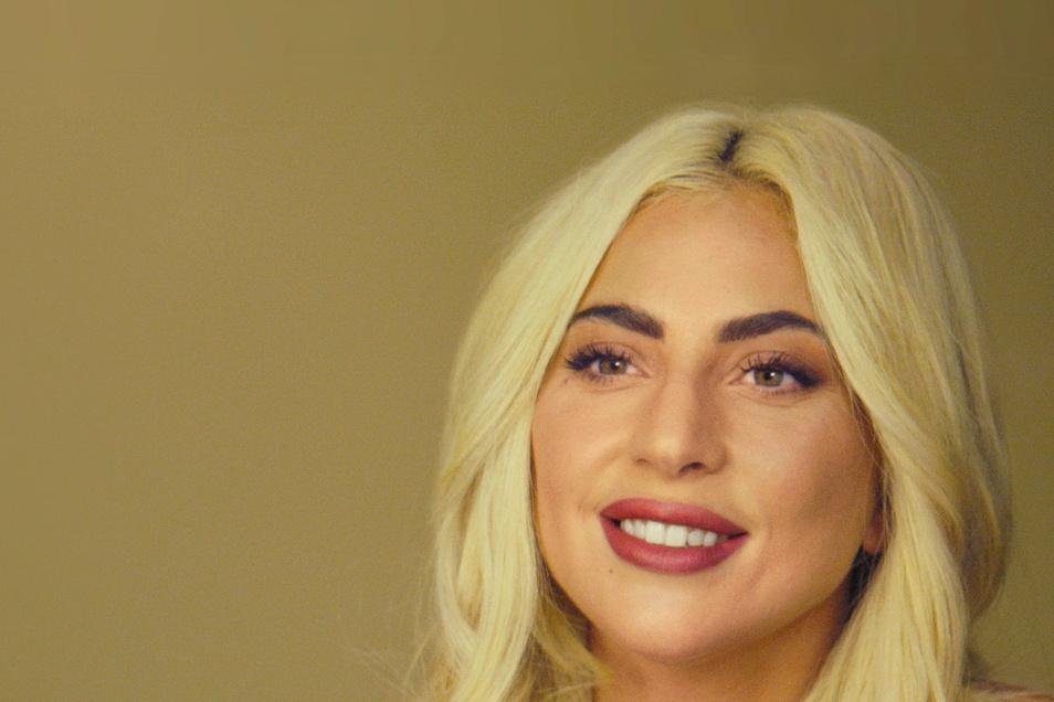 Lady Gaga, Sängerin aus den USA, spricht während einer Szene der Serie «The Me You Can't See» von Prinz Harry und US-Moderatorin Winfrey.