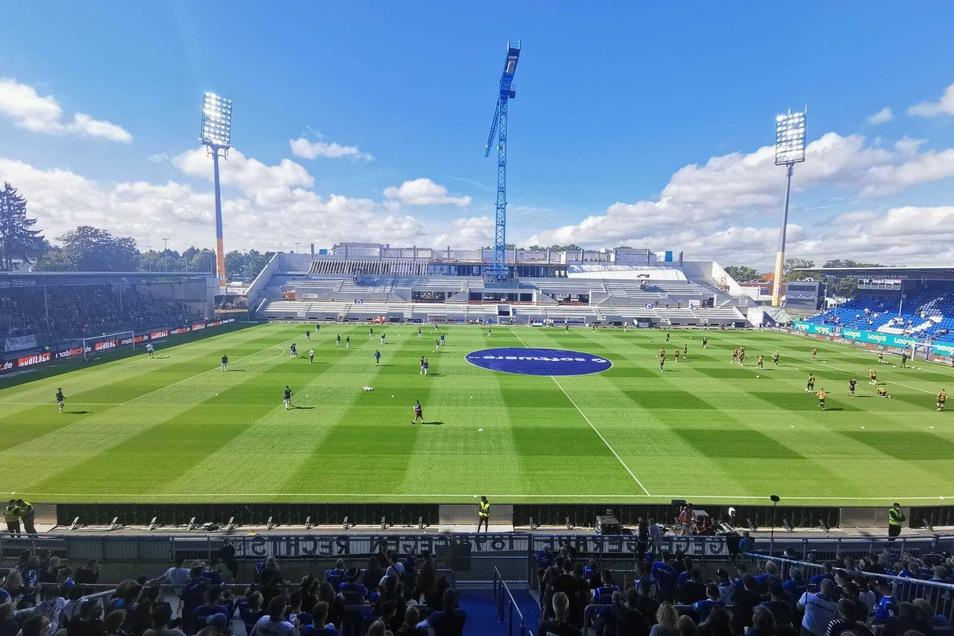 Das Stadion am Böllenfalltor wird derzeit modernisiert. 13.30 Uhr trifft Dynamo Dresden im Auswärtsspiel auf Darmstadt 98.