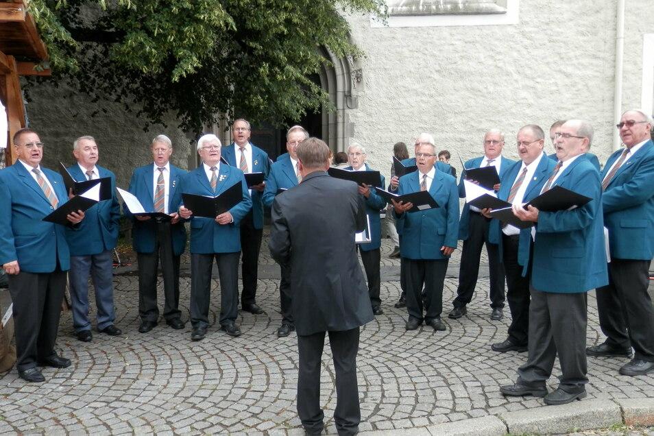 Der Görlitzer Bäcker- und Fleischerchor, alles Männer, darunter viele über 70.
