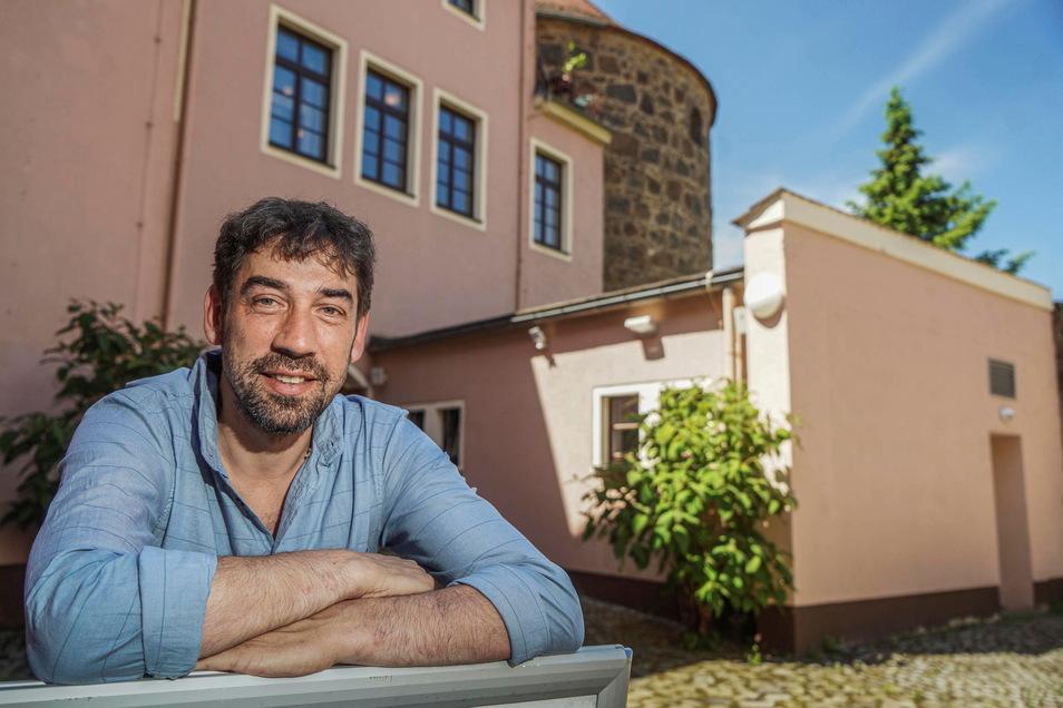 Tomas Kreibich-Nawka ist der neue Intendant des Sorbischen National-Ensembles in Bautzen. Er hat viele Pläne für das Haus. So will er neue Formate ausprobieren.