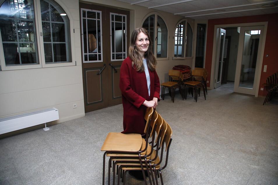 Pfarrerin Nina-Maria Mixtacki im neuen Gemeinderaum der Kirche Kottmarsdorf
