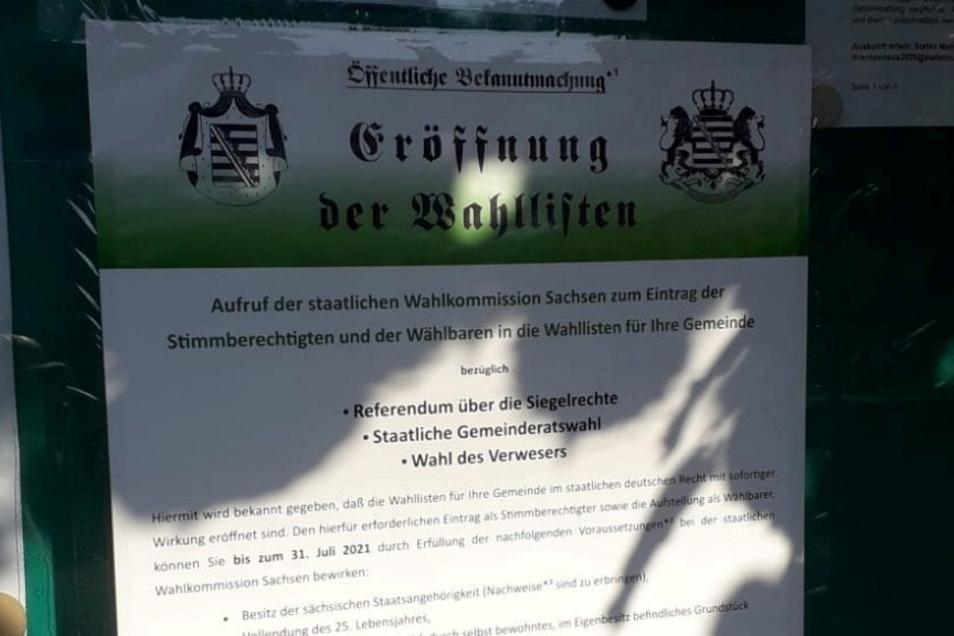 Typischer Aufruf von Reichsbürgern zu Fantasiewahlen. Er wurde auf einen offiziellen Ankündigungskasten im Glaubitzer Ortsteil Radewitz geklebt.