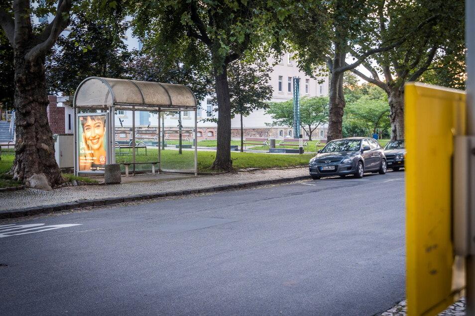 Die Bushaltestellen am Poppitzer Platz wollte die Stadt Riesa erneuern. Doch das Projekt ist zurückgestellt.
