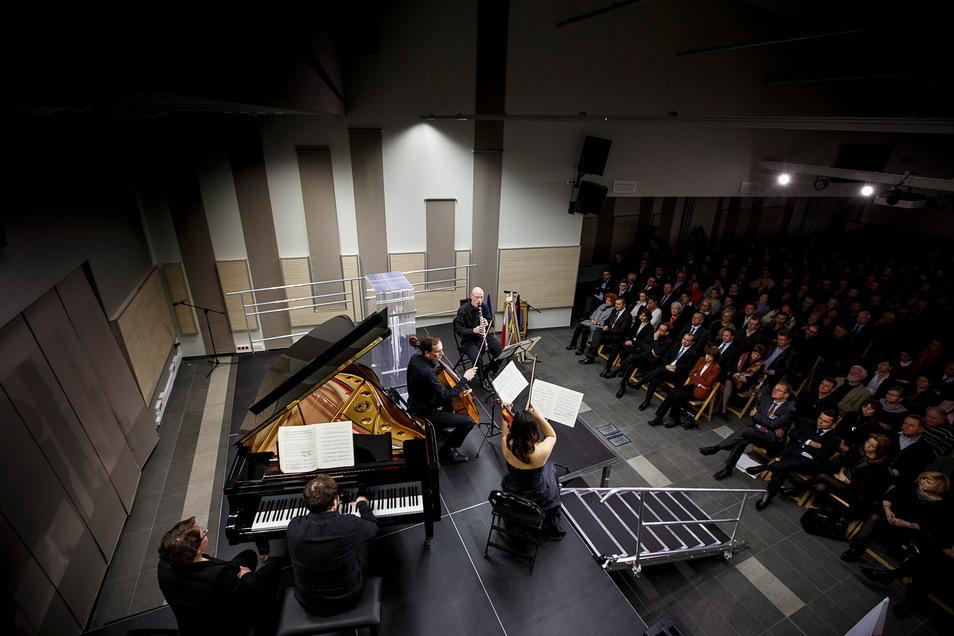 Konzert im Meetingpoint Music Messiaen: Der Verein, der in Zgorzelec die Gedenkstätte Stalag VIIIa, betreibt, bekam für seine Arbeit immer wieder Geld von der Veoliastiftung.