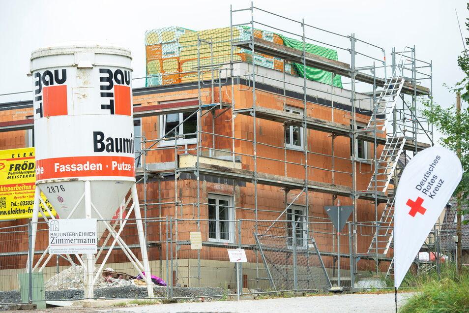 Die neue Copitzer Rettungswache von der Lohmener Straße aus gesehen: 25 Mitarbeiter sollen hier einmal arbeiten.