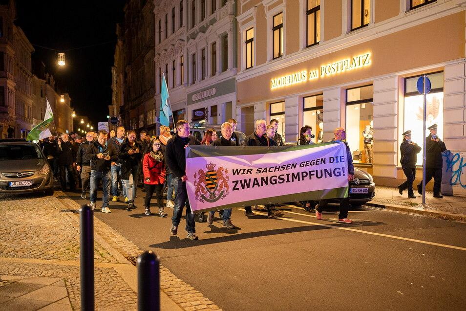 Bei der Görlitzer Montagsdemo - hier im Bild von voriger Woche - liefen diesmal 130 Menschen mit.