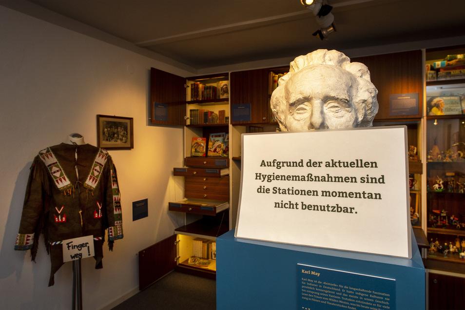 Monitore und Stationen zum Anfassen müssen im Karl-May-Museum noch gesperrt bleiben.