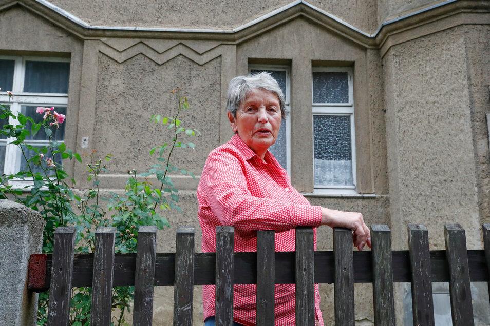 Ingrid Lattig ist eine der letzten verbliebenen Bewohnerinnen der Sachsenstraße.