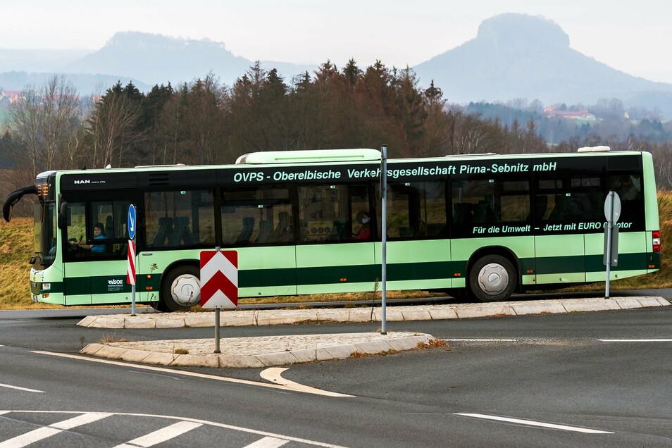 """Von Altendorf zur Festung Königstein oder zu Lilienstein? Für Touristen ist das Busticket in der """"Gästekarte mobil"""" inbegriffen."""