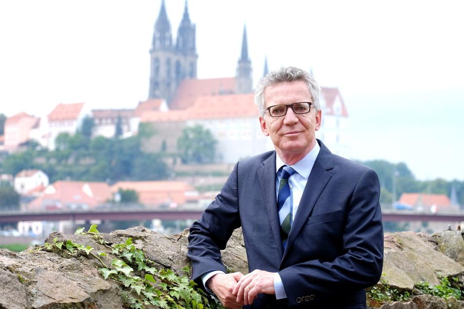 Der CDU-Politiker Thomas de Maizière weiß, wie es an den Schalthebeln der Macht zugeht. Am Mittwoch, dem 26. Mai, wird er von 18.30 Uhr bis 20 Uhr Einblicke in den Alltag der Bundespolitik geben.