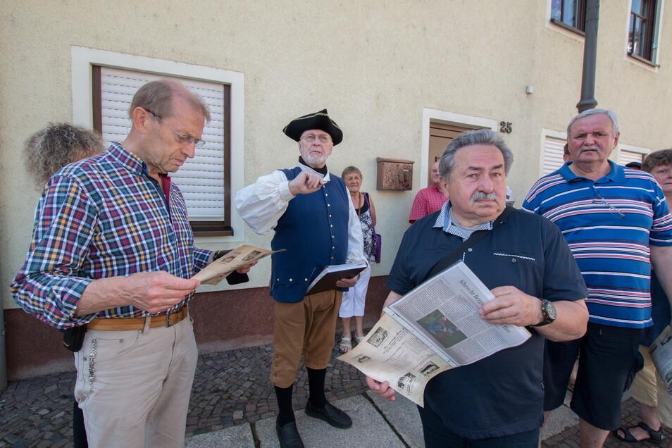 Die Gäste der Biertour durch Waldheim erfahren jede Menge über die Braukunst. Stadtführer Albrecht Bergmann war im historischen Kostüm unterwegs.