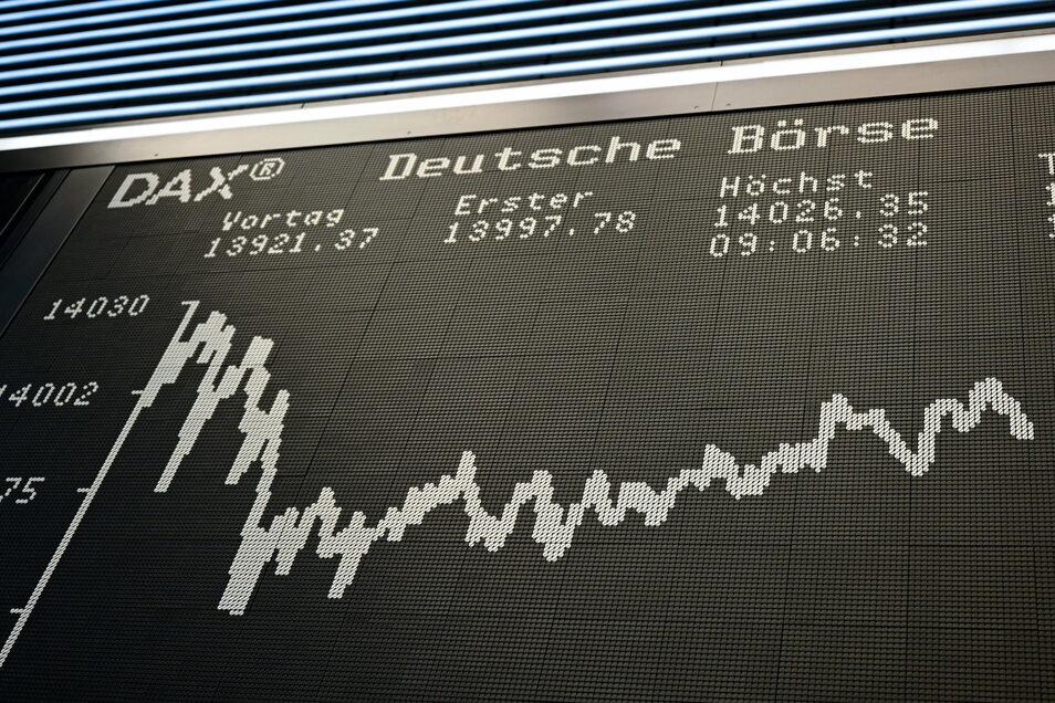 Der Deutsche Aktienindex (DAX) hatte ein schwieriges Jahr. Erst zum Ende des Jahres verzeichnete er ein Rekordhoch.