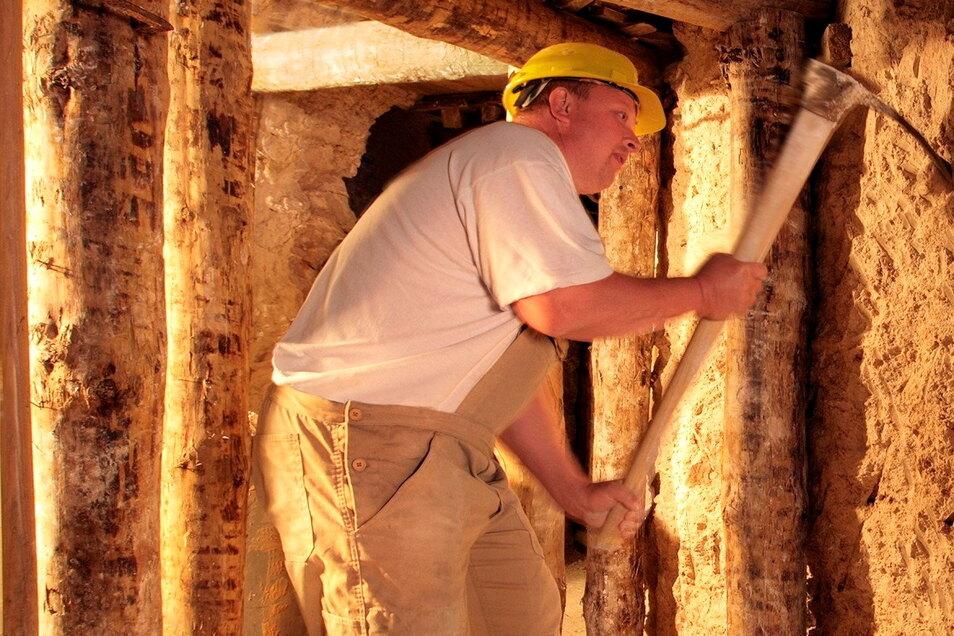 Seit Gründung der Porzellanmanufaktur Meissen bilden die Rohstoffe Kaolin, Feldspat und Quarz die Grundlage zur Herstellung des Weißen Goldes.