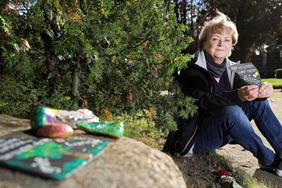 Gitta Noack möchte mit einer Aktion für mehr Bäume in der Stahlstadt Gröditz werben.