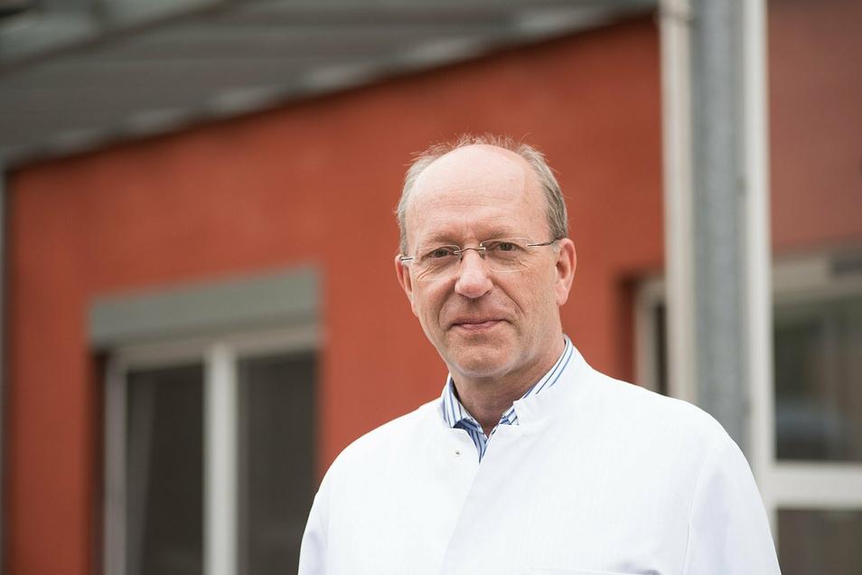 Seit Gründung der psychosomatischen Klinik in Görlitz 2002 ist Hans-Martin Rothe, Facharzt für Psychosomatische Medizin und Psychotherapie, ihr Chefarzt.