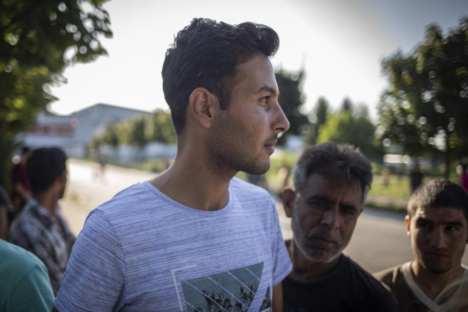 """""""Ich versuche mein Bestes, um ein Leben zu haben"""", sagt Subhan Salihi, der aus Afghanistan geflohen ist und in Vucjak Nahe der kroatischen Grenze gestrandet ist."""