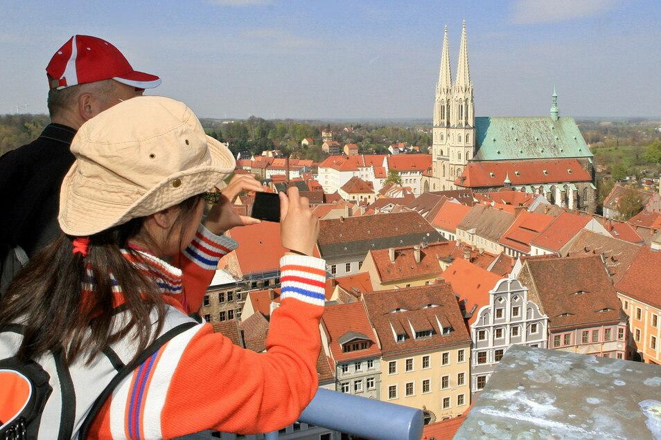 Blick über die Görlitzer Altstadt. Vom begehbaren Rathausturm aus bieten sich weitere, ausgezeichnete Fotomotive.