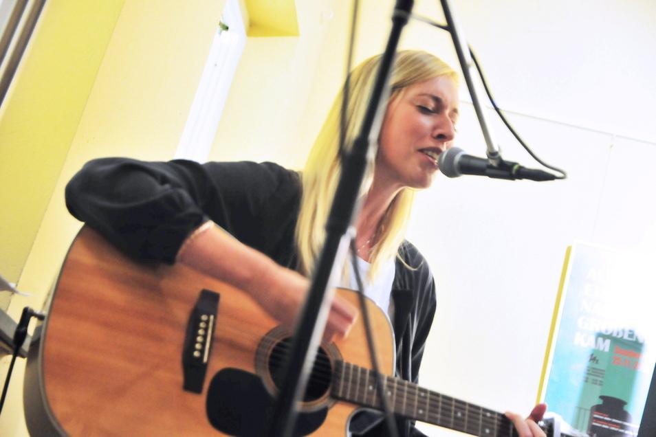 """Christin Krause, aus Ebersbach gebürtig, singt am 16. Juli """"Auf der Reise""""."""