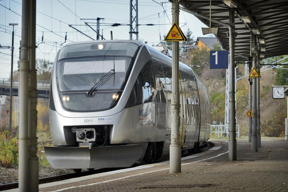 Mit Fahrzeugen der Mitteldeutschen Regiobahn können Döbelner unter anderem bis nach Leipzig sowie Chemnitz und Elsterwerda fahren.