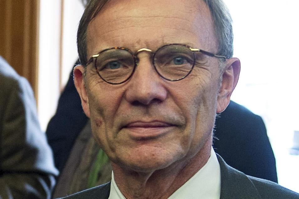 Hartmut Mangold ist Staatssekretär im Sächsischen Staatsministerium für Wirtschaft, Arbeit und Verkehr.