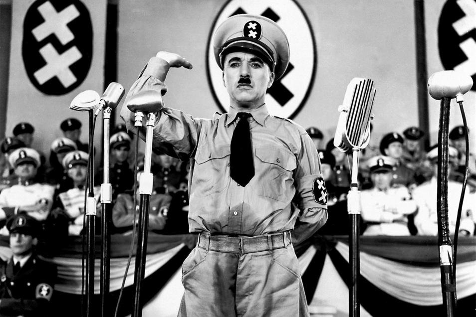 """""""Schtonk!"""" – Diktator Hynkel (Charlie Chaplin) spricht."""