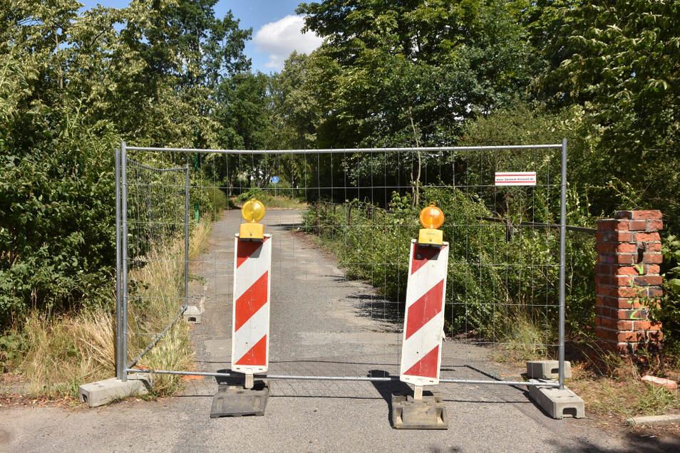 Der Geh-/Radweg vor der neuen Oberschule ist derzeit gesperrt.