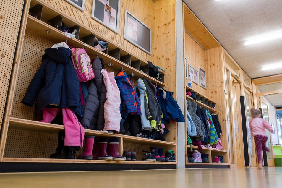 Corona-Infektionen gibt es derzeit im Landkreis Bautzen vor allem an Kitas und Schulen.