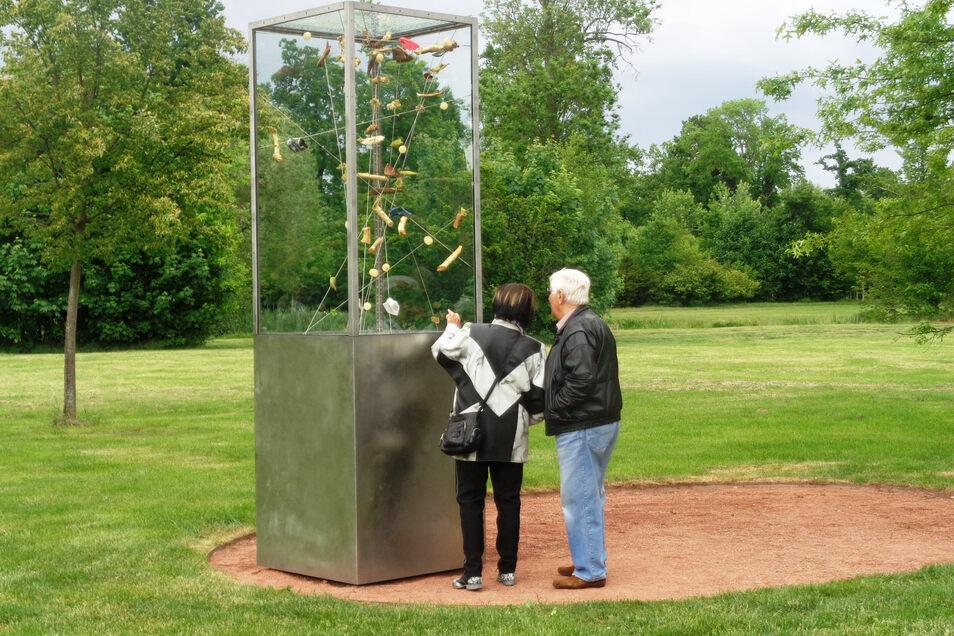 Zahlreiche Großenhainer erinnerten sich am Sonntag am Tornado-Denkmal im Stadtpark an die Ereignisse vom Pfingstmontag 2010.