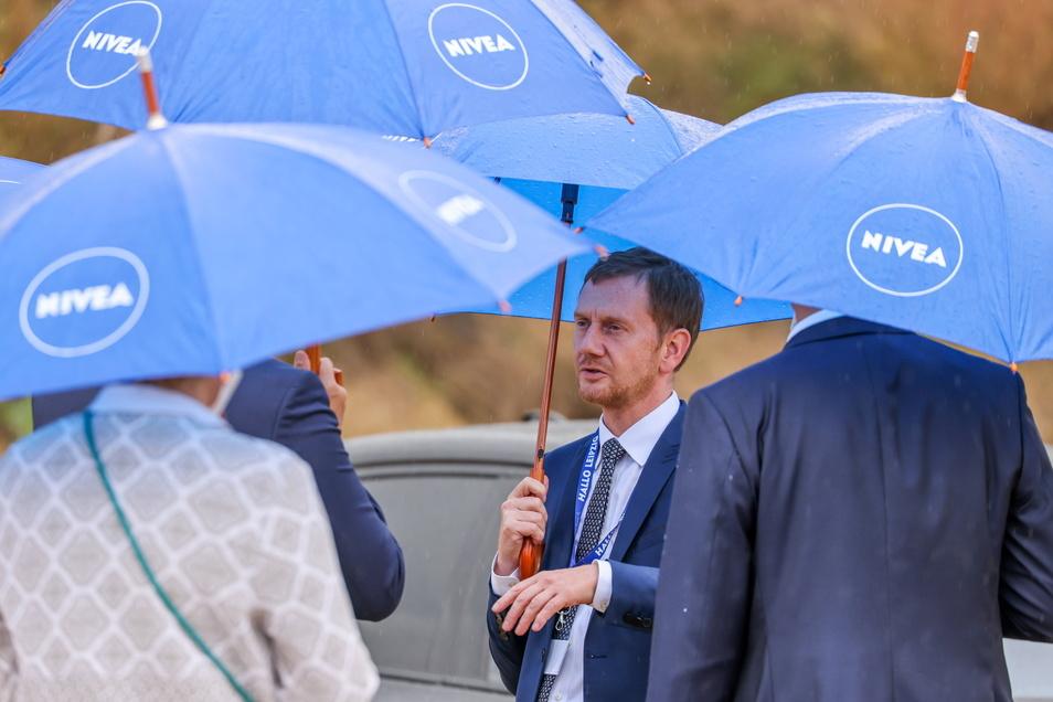 Auch Sachsens MP Michael Kretschmer (CDU) war bei der Grundsteinlegung anwesend.