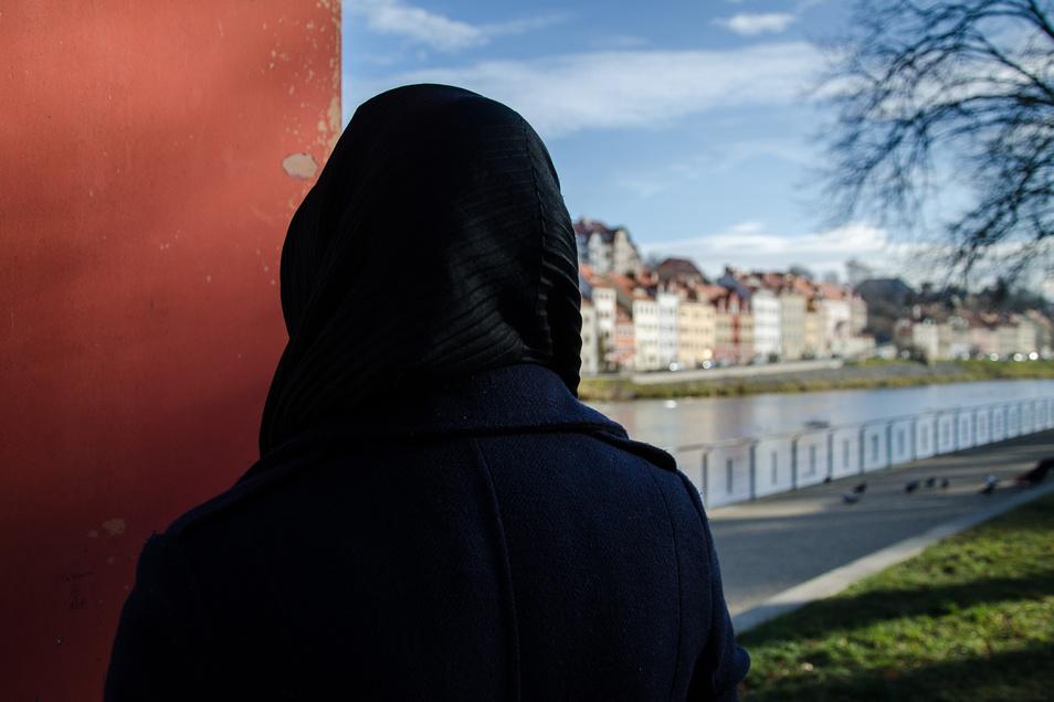Sahar* will nicht erkannt werden. Die 33-Jährige fürchtet, dass sie sonst noch mehr Anfeindungen erleben könnte.